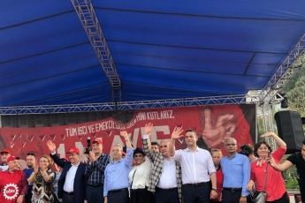 Mersin'de İşçi ve Emekçilerin Bayramı Mersin 1 Mayıs Yürüyüşü ve Mitingine Katılımımız.-09