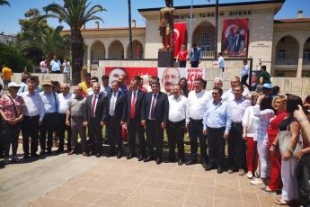 19 Mayıs Atatürk'ü Anma Gençlik ve Spor Bayramı Cumhuriyet Meydanı CHP İl Başkanlığı ve Halkımız ile Tören ve Kutlamalara Katılımımız.-05