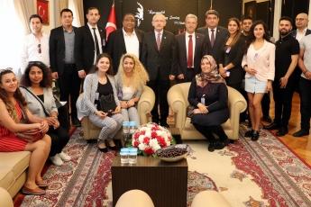 Akdeniz Roman Dernekleri Federasyonu Olarak Gelen Roman Vatadaşlarımız İle CHP Genel Başkanımızı Ziyaretimiz.-05