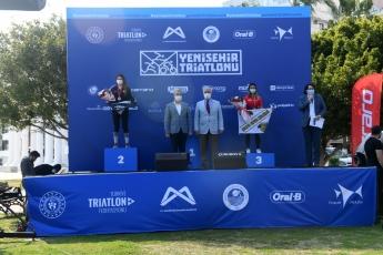 Yenişehir Belediyemizin katkılarıyla gerçekleşen Yenişehir Triatlonu sona erdi. Triatlona katılan yarışmacılara ödüllerini takdim ettik, tüm yarışmacılara hayatlarında başarılar dileriz.