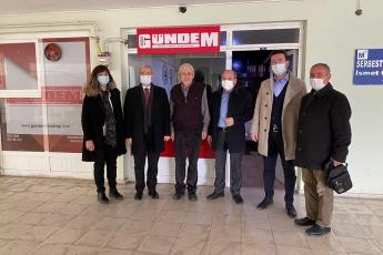 Aksaray Gündem Gazetesini ziyaret ederek, gazetenin sahibi Recep Turan ile Aksaray gündemi ve yerel basının sorunları üzerine konuştuk.