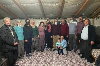 Mersin Erdemli İlçe Örgütümüzle birlikte, Erdemli İlçemizin Arslanlı Köyünü ziyaret ettik. Çiftçimizin yaşadığı ekonomik zorlukları yerinde dinledik. Partimizin çözüm önerilerini aktardık.