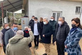 Erdemli İlçe Örgütümüzle birlikte, Erdemli İlçemizin Üçtepe Köyünü ziyaret ettik. Çiftçimizin yaşadığı ekonomik zorlukları yerinde dinledik.