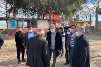 Mersin Erdemli İlçe Örgütümüzle birlikte, Erdemli İlçemizin Çiriş Köyünü ziyaret ettik. Çiftçimizin yaşadığı ekonomik zorlukları yerinde dinledik.
