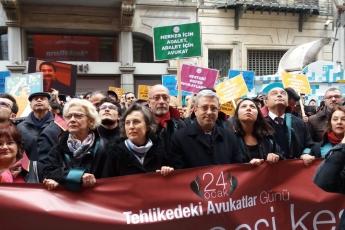 """İstanbul 24 Ocak """"ULUSLARARASI TEHLİKEDEKİ AVUKATLAR GÜNÜ"""" Etkinliğine Katılımımız.-02"""