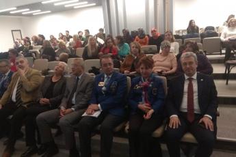 Mezitli Belediyesi Meclis Salonunda Gika Girişimci Kadınlar Projesi Tablet Dağıtım Törenine Katılımımız.-02