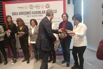 Mezitli Belediyesi Meclis Salonunda Gika Girişimci Kadınlar Projesi Tablet Dağıtım Törenine Katılımımız.-07