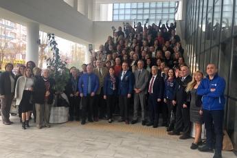 Mezitli Belediyesi Meclis Salonunda Gika Girişimci Kadınlar Projesi Tablet Dağıtım Törenine Katılımımız.-09