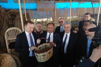 Avustralya Büyükelçi Marc Innes-Brown'ın Roman Dernekleri Federasyonu Projesi Kapsamında Atölye Ziyaretine Katılımımız.-06