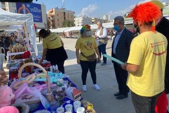 Cumhuriyet Meydanında Yenişehir Belediyemizin Kadın Üretici Pazarımıza giderek üretici kadınlarımızın stantlarına misafir olduk, emeklerini gördük, hayırlı işler diledik.