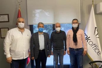 Barok Ofis Mobilyaları sahibi baba dostum Ali Kiper'i , İl Saymanımız Servet Gülenay ile birlikte ziyaret ettik.