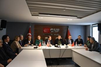 CHP Adana Milletvekillerimizin İl Başkanlığımızda Örgütümüz ve Belediye Başkan Adayımız Vahap Seçer'i ziyaretleri-02