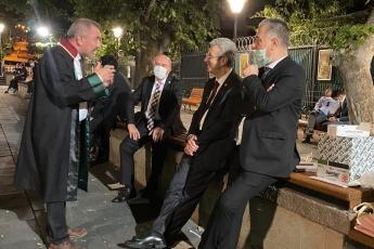 2020-07-10- Baro Başkanlarımızın Kuğulu Parktaki Nöbetlerinde Yanlarında Olduk - 2