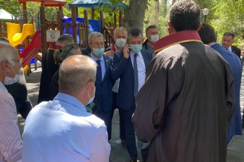 2020-07-10- Baro Başkanlarımızın Kuğulu Parktaki Nöbetlerinde Grup Başkan Vekilimiz Sayın Özgür Özel İle Birlikte Başkanlarımızı Ziyaret Ettik - 1