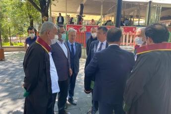 2020-07-10- Baro Başkanlarımızın Kuğulu Parktaki Nöbetlerinde Grup Başkan Vekilimiz Sayın Özgür Özel İle Birlikte Başkanlarımızı Ziyaret Ettik - 2