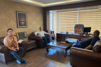 Geçen hafta Genel Başkanımız Sayın Kemal Kılıçdaroğlu ile görüşen Akdeniz Roman Dernekleri Federasyonu Başkanı Sayın Ali Daylam ile görüştük.Daylam'ın aktardığı sorunları dinledik ve Genel Başkanımıza ulaştırmak üzere verdiği bilgi notlarını Genel Başkanımıza iletmek üzere aldık.