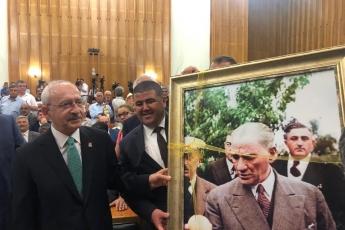CHP Mersin Mezitli İlçe Başkanlığı ve Örgüt Temsilcilerinin TBMM'de CHP Grup Toplantısına Katılımı.-01