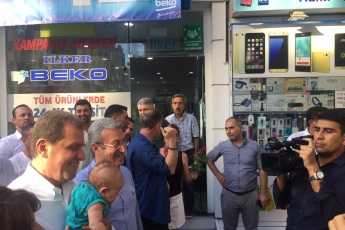 Mersin Büyükşehir Belediye Başkanı Sayın Vahap Seçer ile Mersin Çarşı Esnafını Ziyaretimiz.-01
