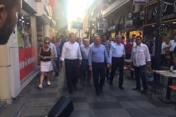 Mersin Büyükşehir Belediye Başkanı Sayın Vahap Seçer ile Mersin Çarşı Esnafını Ziyaretimiz.-05